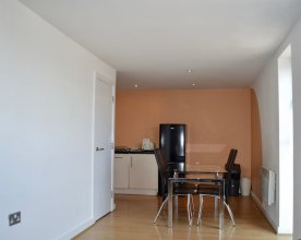 Comfortable 3 Bedroom Apartment in Manchester