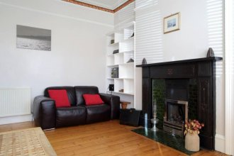 Central 2 Bedroom Flat With Garden