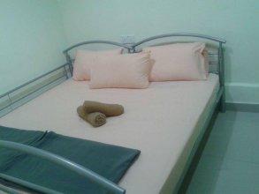 OYO 765 Summer House Bed & Café