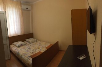 Guest House on Leningradskaya Ulitsa
