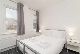 Modern 2 Bed, for 4 Guests in Golders Green!