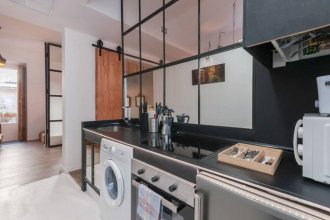 Amazing One Bed Apartment, Sleeps 4 in Madrid
