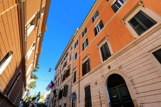 Barberini Enchanting Terrace Apartment