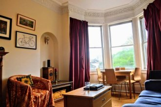 2 Bedroom Apartment With View of Arthur's Seat Sleeps 4