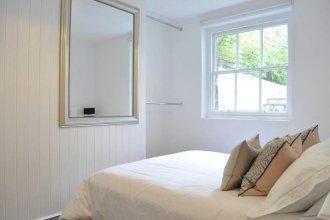 Elegant 1 Bedroom Apartment in Clapham Manor