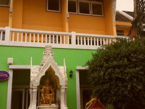 Sawasdee Sukhumvit Inn