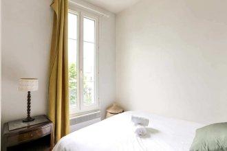 Spacious & Bright Apartment for 2 in Faidherbe/nation