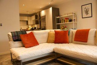 2 Bedroom Flat In Broughton Area