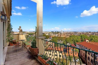 Sant' Onofrio Terrace Apartment