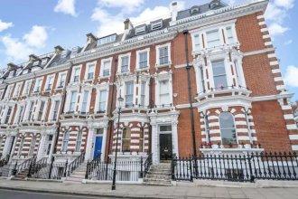 Luxury Kensington Apartment