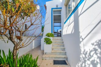 House With 4 Bedrooms in Portimão, With Wonderful sea View, Furnished Garden and Wifi