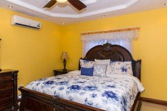 Kingston Luxury Family Retreat