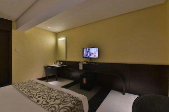 Hotel The Golden Oak