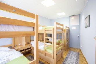 Hostel amd