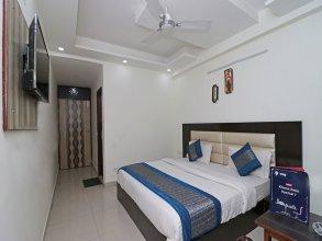 OYO 11633 Hotel Sweet Palace