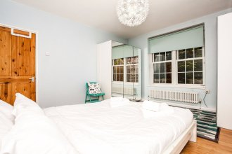 Riverside Cutty Sark 2 Bedroom Retreat