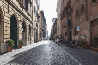 Via Giulia 69