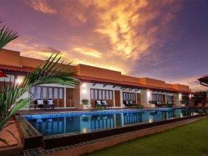 Tropical style 10-bedroom pool villa