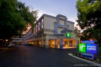Holiday Inn Express Sacramento Convention