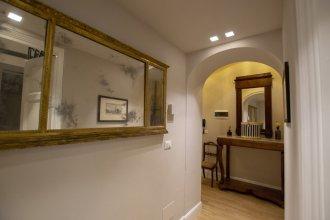 Flora Historical Luxury House