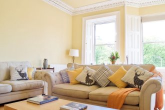 Bright, Spacious, Comfortable Old Town Flat