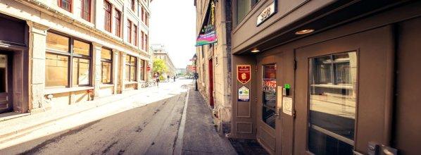 Auberge Alternative du Vieux-Montréal - Hostel