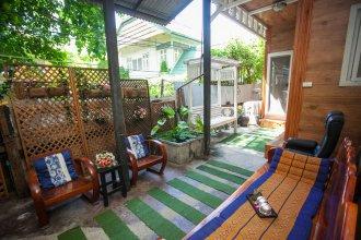 Laksameenarai Guesthouse - Hostel