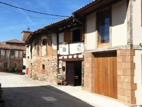 House With 4 Bedrooms in Villasur de Herreros, With Wonderful Lake View, Terrace and Wifi