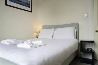 2 Bedroom Flat Near Edinburgh Castle Sleeps 5