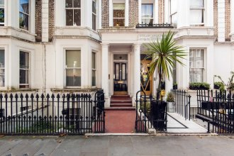 Bright and spacious 2 bed apartment 5 mins away from Earl's Court stat