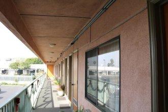 Four Corners motel