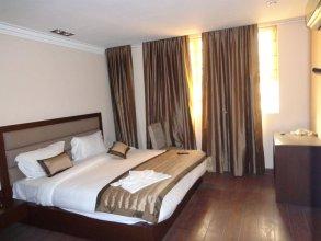 Hotel Aura, IGI Airport