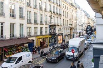 Louvre Area - Saint Honoré Apartment