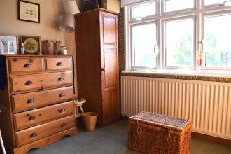2 Bedroom Garden House in Tooting