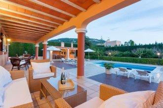Villa in Ibiza Town Sleeps 12 - Villa Tino