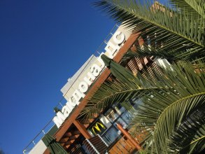 FIRST BEACH hostel