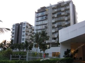 By The Sea Suites - SDB Host