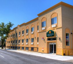 Jfk View Inn & Suites