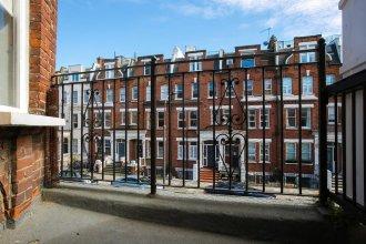 Stunning 2BR Home in West Kensington W/balcony