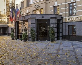 Аглая Кортъярд отель
