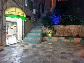 Отель Ameer Al Sharq