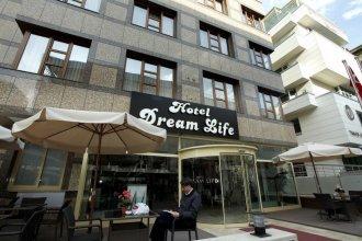 Dreamlife Hotel