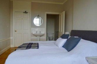 4 Bedroom Clock Tower Apartment In Edinburgh