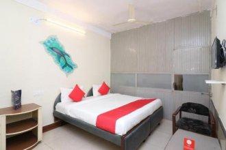 Oyo 13657 Hotel Radhika