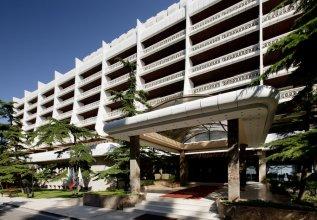 Palace Hotel - Sunny Day Resort