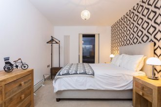 Amazing 1 Bedroom Flat in Bow with Balcony