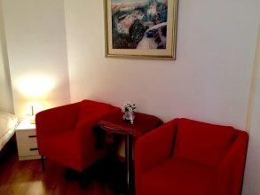 Raphael Apartments