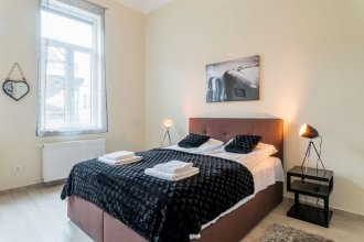 Kazinczy 11 Apartment