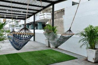 The Quarter Bangkok Poshtel & Coworking - Hostel