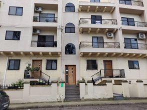 Spacious Apartment 5 Minutes Walk From The Beach